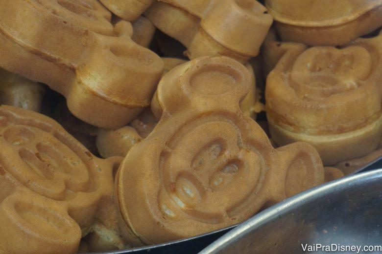 Foto dos waffles do Mickey servidos nos cafés da manhã da Disney