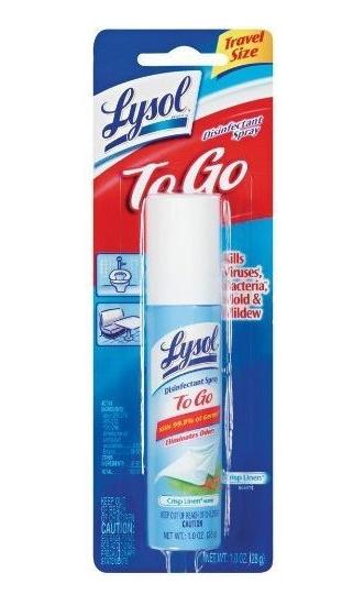 Foto da embalagem do spray desinfetante Lysol, útil para limpar superfícies para prevenir contato com o coronavírus.