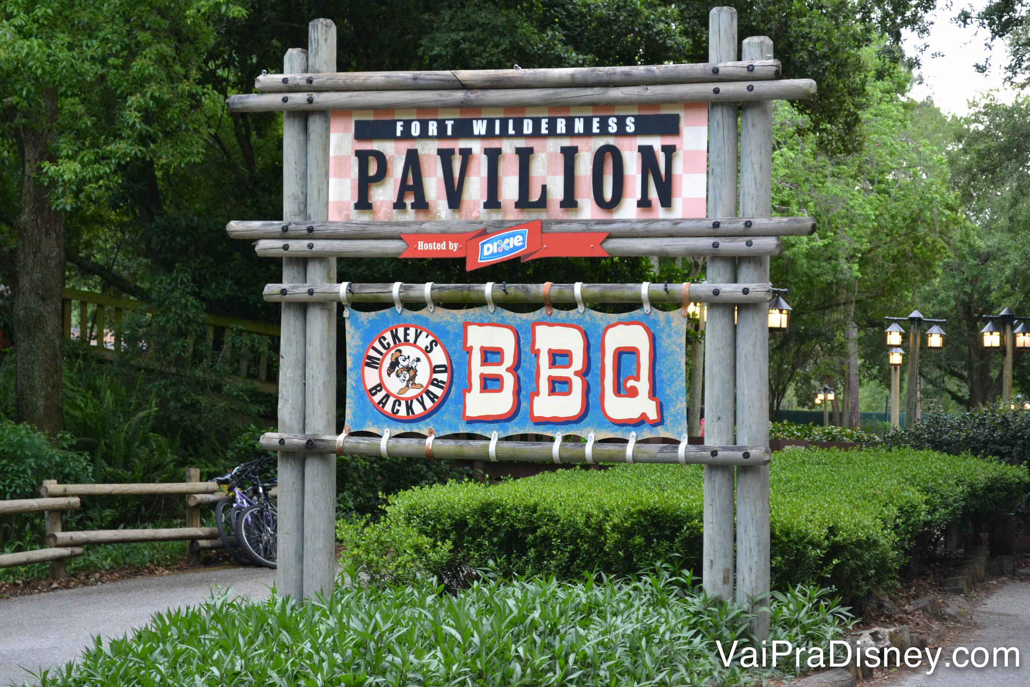 disney backyard bbq 16 best amp worst dining choices for large
