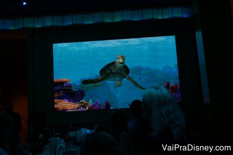 Telão do Animator's Palate com o Crush de Procurando Nemo