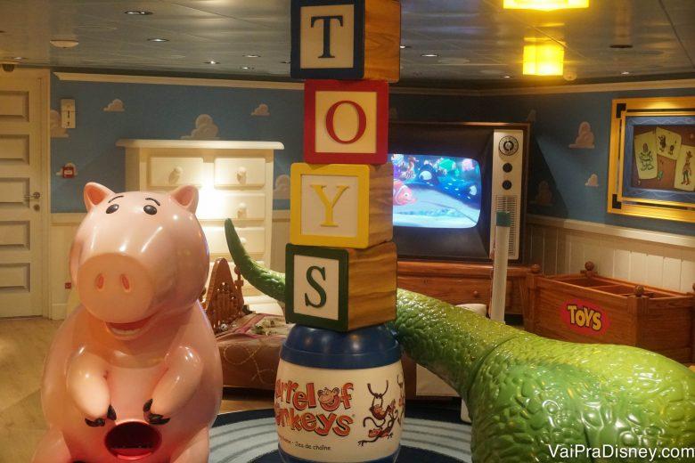 Área de Toy Story no Oceaneer Club que visitamos durante o Open House. Normalmente a entrada de adultos não é permitida.