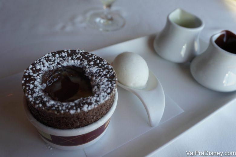 Foto do souffle de chocolate do Palo.