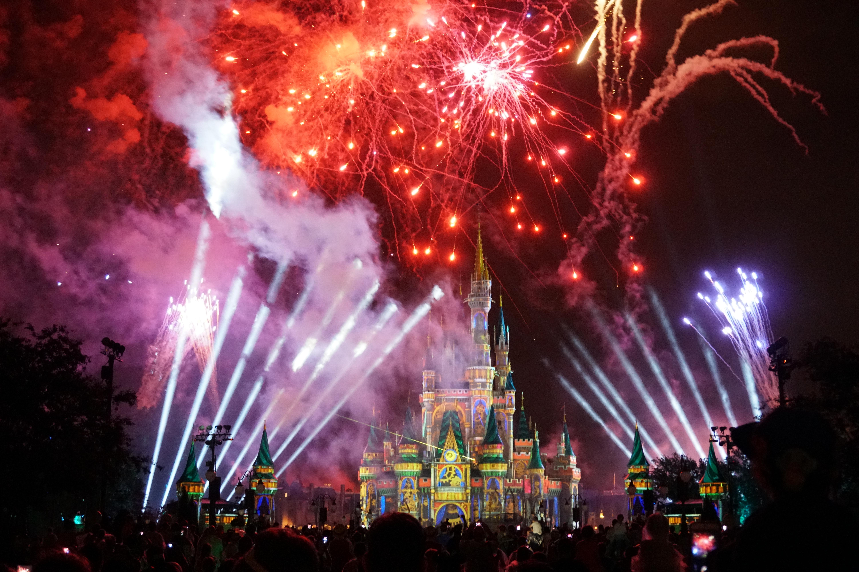 No fim do dia não tem jeito, estar na Disney é sempre mágico! Aproveite cada minuto da sua viagem!