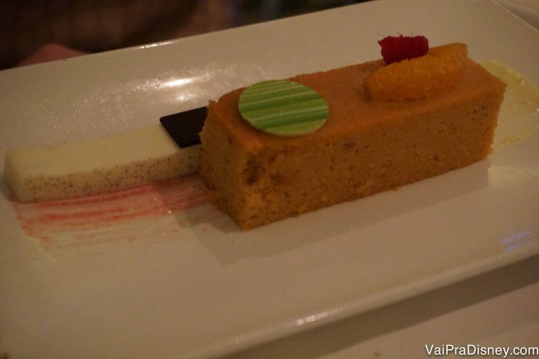 Foto do bolo de laranja com iogurte do Enchanted Garden