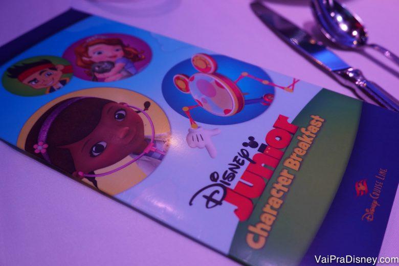 Foto do cardápio do café do Disney Junior a bordo do Disney Fantasy no trajeto pelo Caribe Oeste