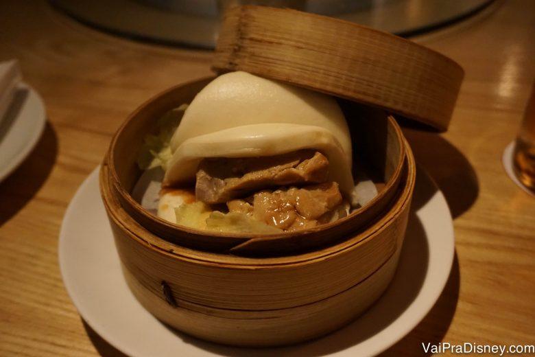 Foto do dumpling do Morimoto, no vapor
