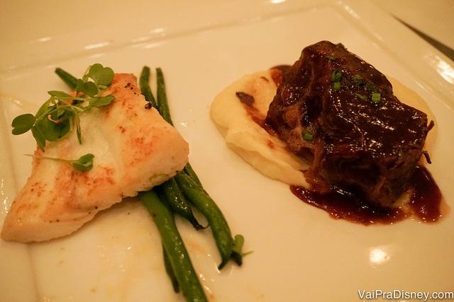 Surf and Turf - carne e peixe no mesmo prato (halibute e costelinha bovina)