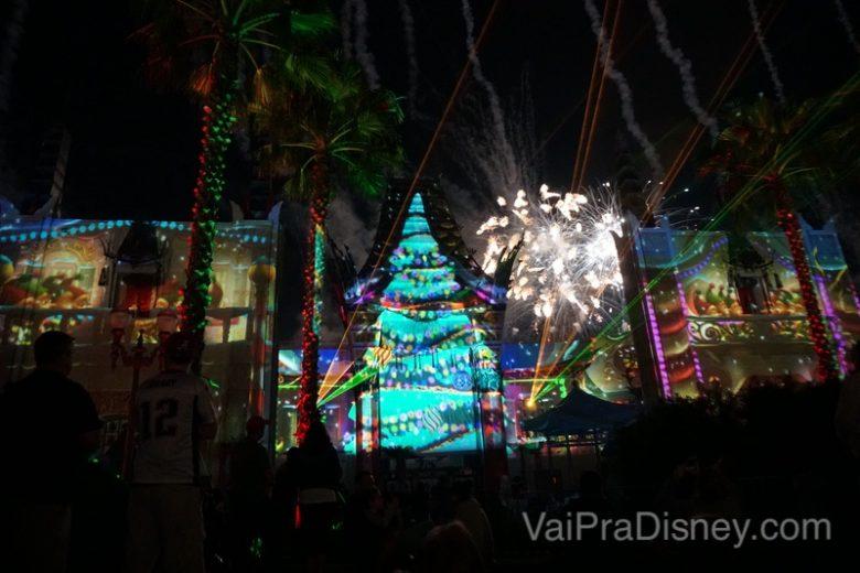 Foto da vista dos fogos no espaço do Jingle Bell, Jingle Bam Holiday Dessert Party