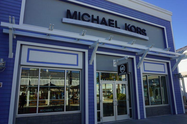 Foto da fachada da loja da marca Michael Kors no Premium Outlet de Tampa