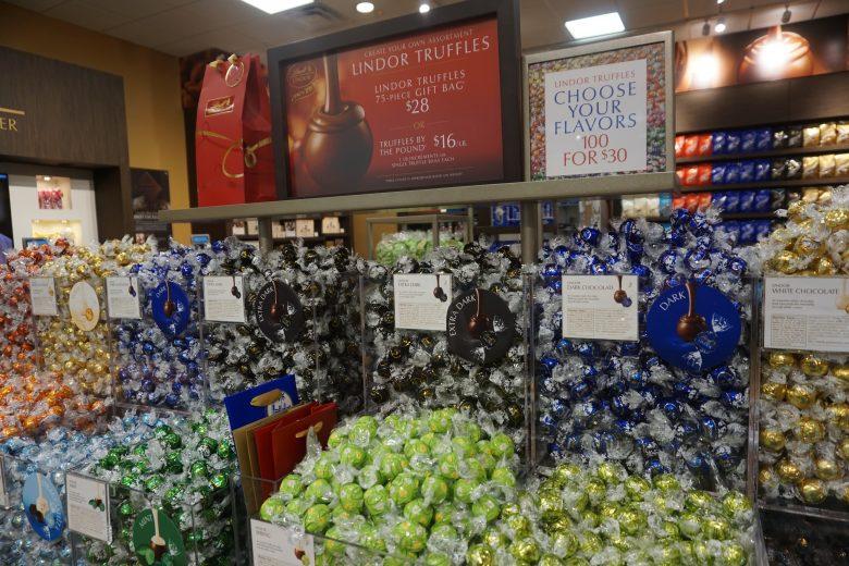 Foto de trufas da marca Godiva à venda em promoção na loja do Premium Outlet