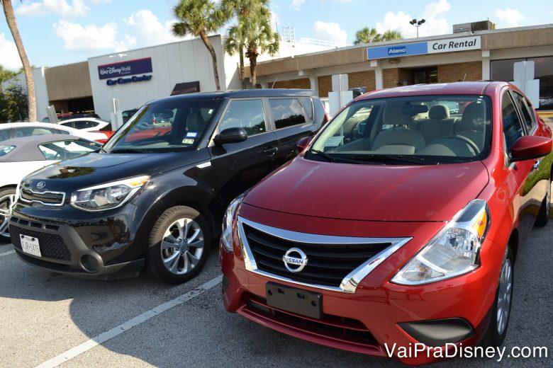 Todo mundo quer alugar carro grande, mas optar por um carro pequeno pode resultar em uma boa economia.