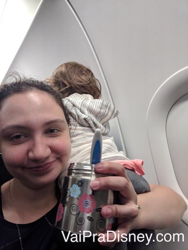 Pra quer comer se olhar os outros passageiros é tão mais legal, né?