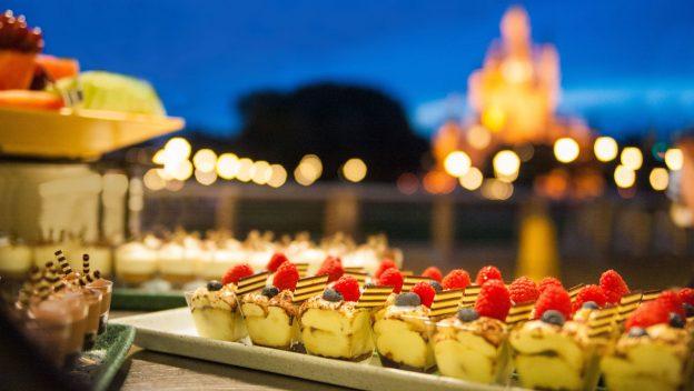 Sempre que pode, a Disney inventa uma dessert party por um preço absurdo.
