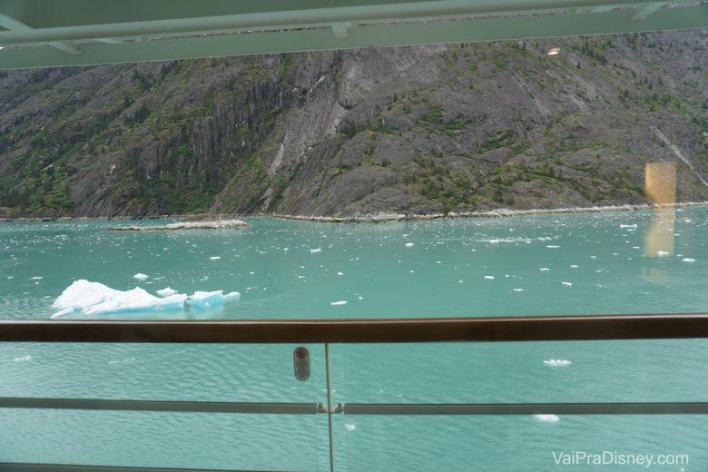 Cada cabine tem um preço. A nossa era com varanda, que é um pouco mais cara, mas traz essa vista super linda do mar.