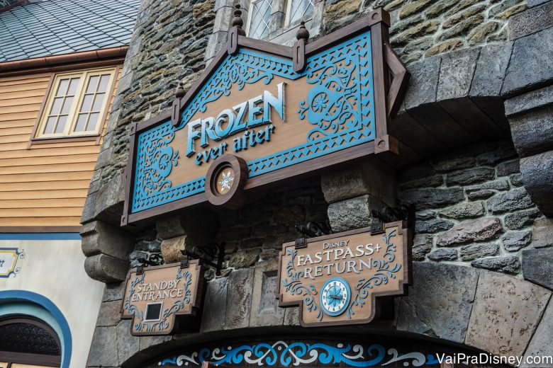 Frozen, que é uma atração super popular, faz parte do grupo 1 do Epcot, junto com as outras atrações mais disputadas desse parque.