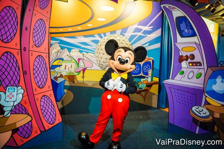 O encontro com o Mickey está no mesmo grupo de fastpass+ de Frozen, no Epcot. Apesar disso, sua chance de conseguir um fastpass+ adicional lá no parque para este encontro é muito maior do que para ir no Frozen Ever After.