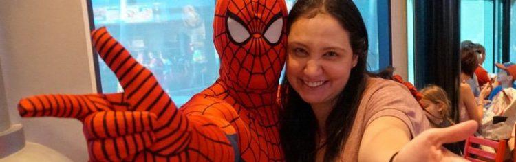 Gente, eu não tenho mão de homem aranha, claramente.