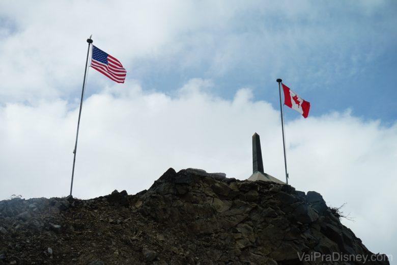 Passamos pela fronteira entre EUA e Canadá. Como a gente nem desce do trem, não tem nenhum tipo de imigração nem nada.