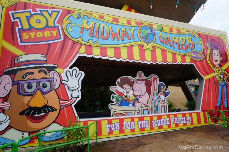 Painel pra fotos perto do Toy Story Mania.