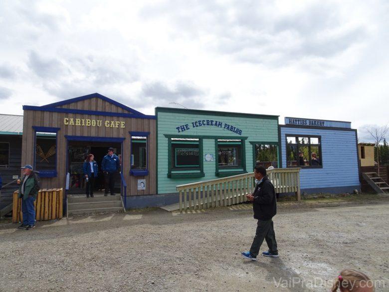 Foto do local para almoçar no Yukon Discovery Tour, chamado de Caribou Crossing