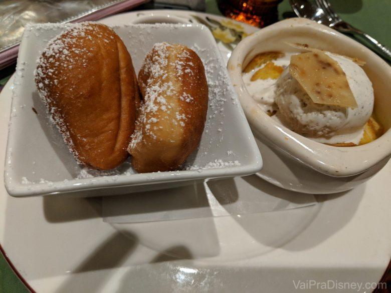 Duas sobremesas no jantar - minha pedida de sempre nos cruzeiros!