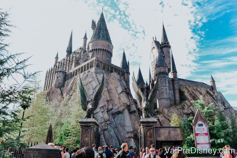 Já no Islands of Adventure, o castelo é o símbolo da história do Harry Potter no parque!