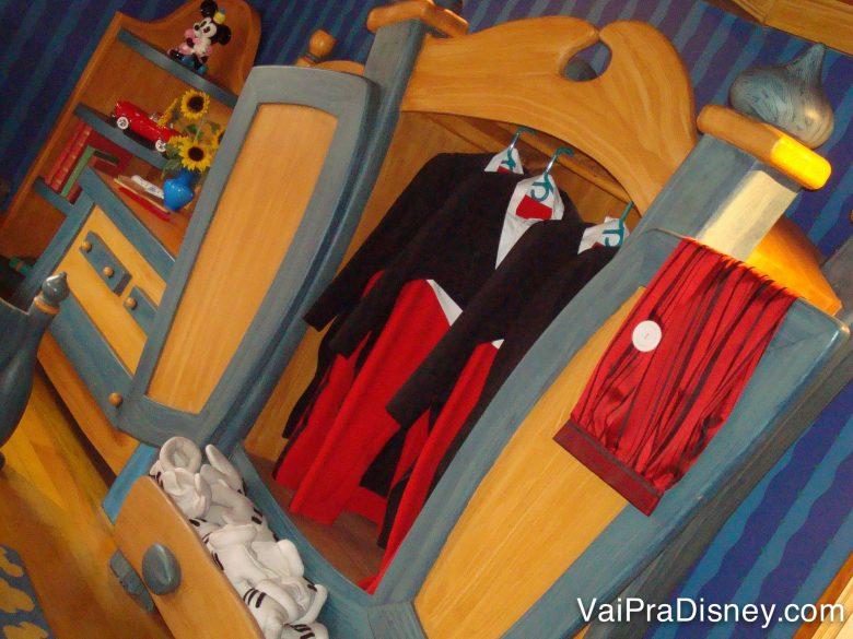 O armário do Mickey na casa dele! Mil detalhes fofos na Toontown!