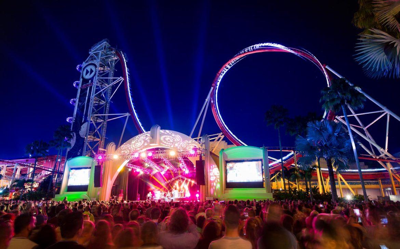 Foto do palco durante um dos shows especiais que acontecem em fevereiro e março na Universal