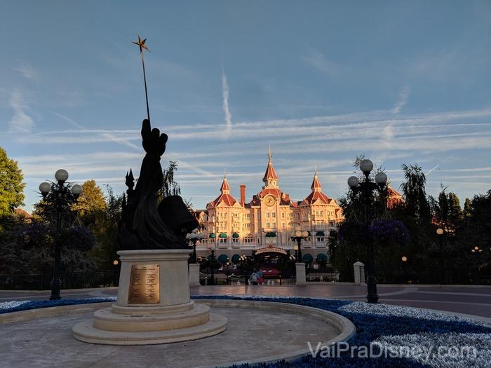 O hotel mais chique do complexo de Paris fica na entrada do Parc Disneyland