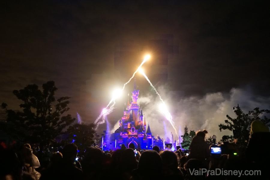 Disneyland Paris - Fim de dia na Disney tem que ter show de fogos, né? Esse é o Illuminations