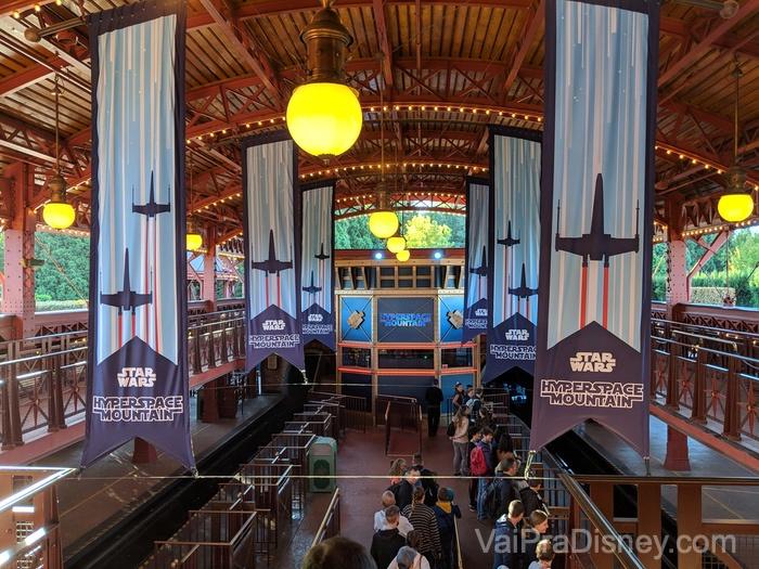 Disneyland Paris - Space Mountain tematizada de Star Wars!