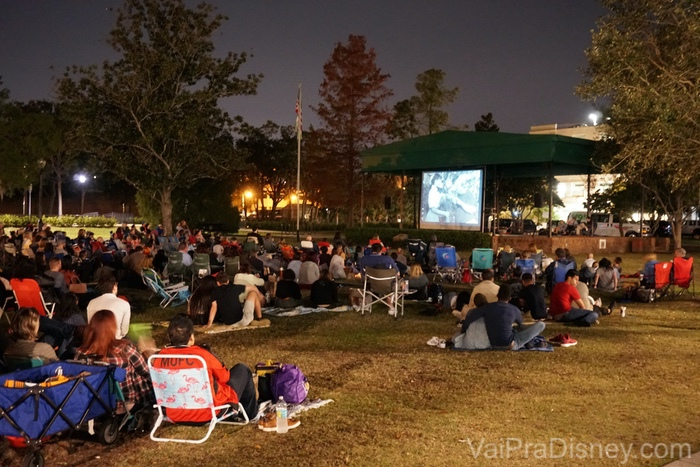 Cinema ao ar livre no parque de Winter Park