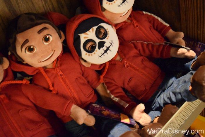 E os brinquedos de personagens menos clássicos? Eu amoo! Esse encontrei na loja do pavilhão do México, no Epcot.