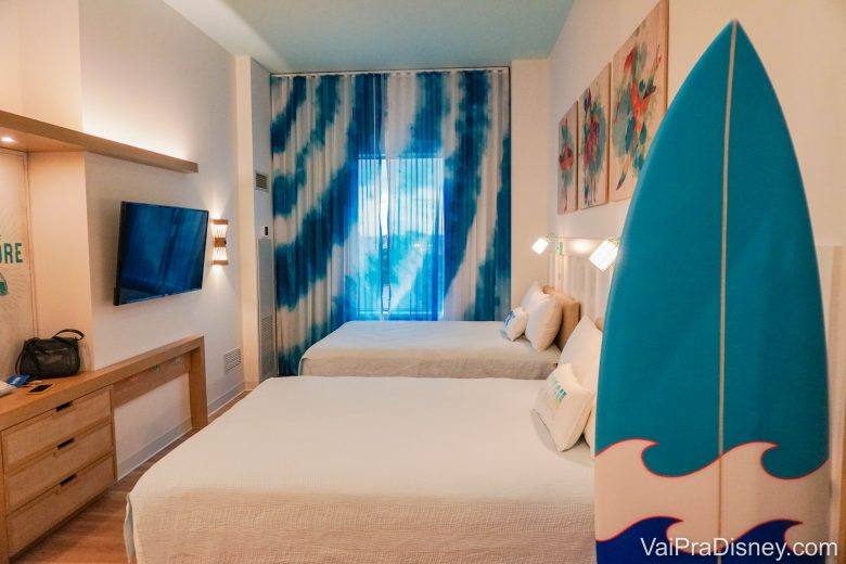 Primeira parte da suite família do Endless Summer Surfside Inn and Suites.