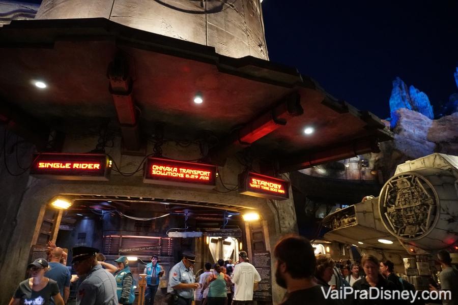 A atração da Millennium Falcon em Star Wars: Galaxy's Edge é um ótimo exemplo de Single Rider