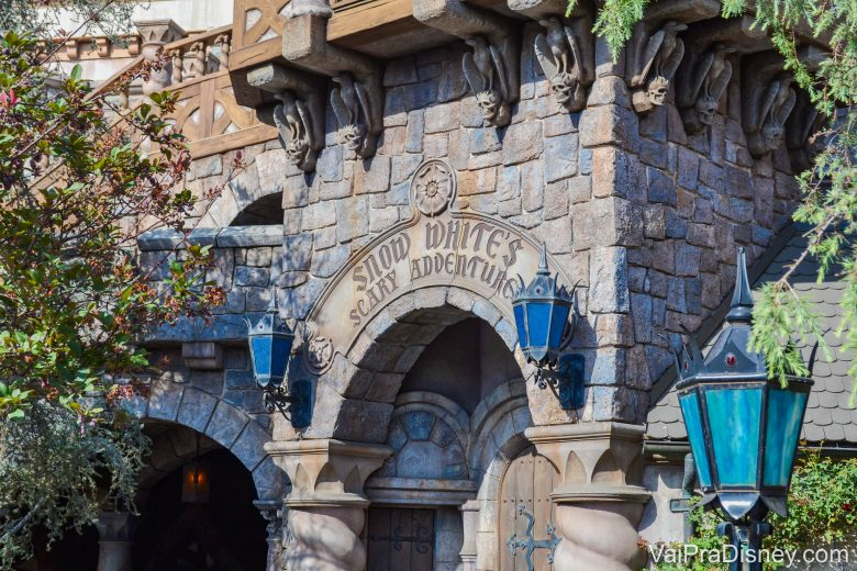 Disneyland California - Essa atração inclusive existia em Orlando, mas foi substituída pelo Princess Fairytale Hall.