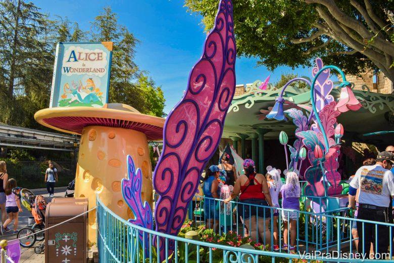 Disneyland California - Essas atrações da Fantasyland são, em sua maioria, passeios pelas histórias dos filmes clássicos da Disney!
