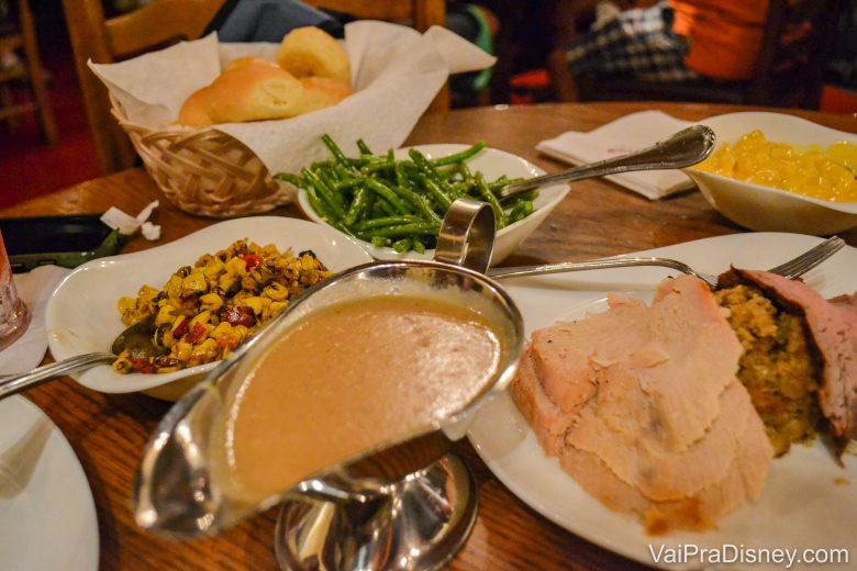 A comida do Liberty Tree Tavern no jantar tem cara de Natal durante o ano todo!
