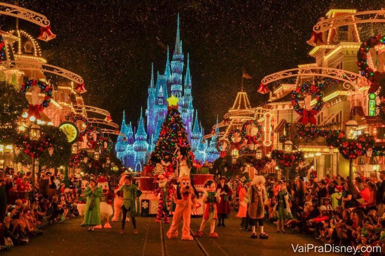 Não consigo explicar quão mágica é a época do Natal. Linda, linda, linda!