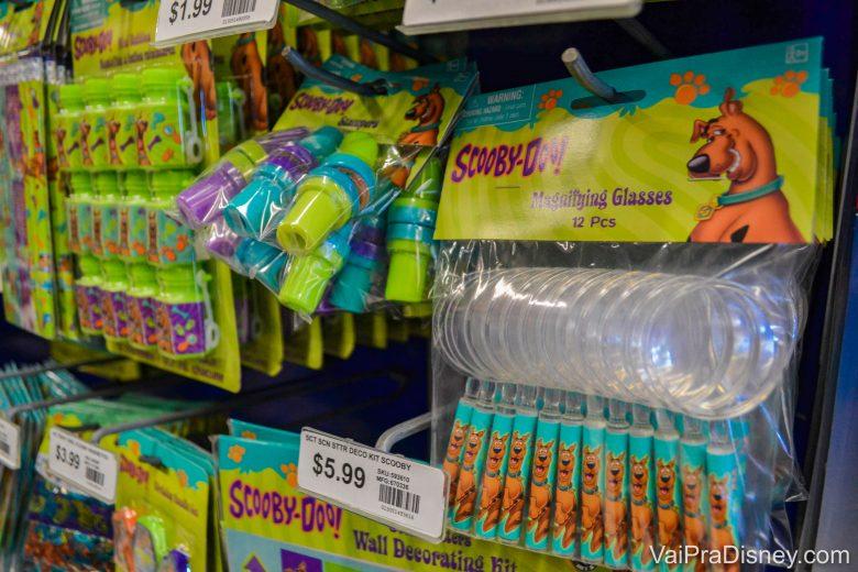 Foto das lembrancinhas de festa no tema do Scooby Doo à venda na loja