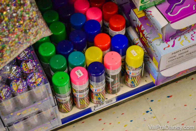 Serpentinas em spray de várias cores, formas e tamanhos, para festas de Carnaval