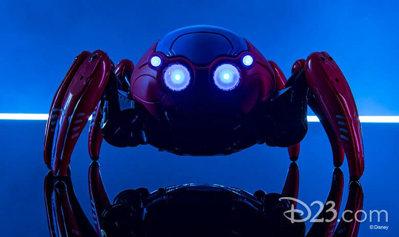 Foto do robô do Homem Aranha, uma aranha chamada de Spider-Bot, que estará à venda no Avenger Campus