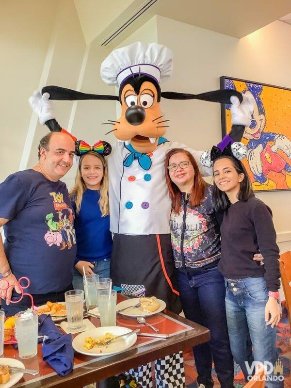 Foto da Carol, que escreveu ao Viagem do Leitor contando sua experiência como vegana na Disney, com sua família e o Pluto no Chef Mickey's