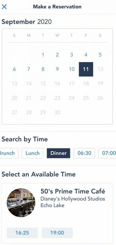 Foto da tela do app My Disney Experience mostrando o calendário em que se escolhe a data da reserva