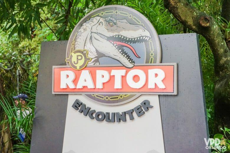 O Raptor Encounter é bem engraçado