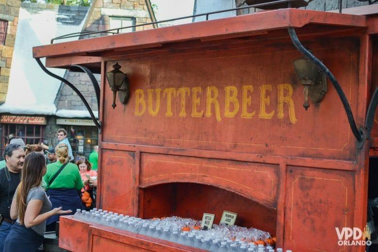Eu acho muito doce, mas vale a pena experimentar a Butter Beer!