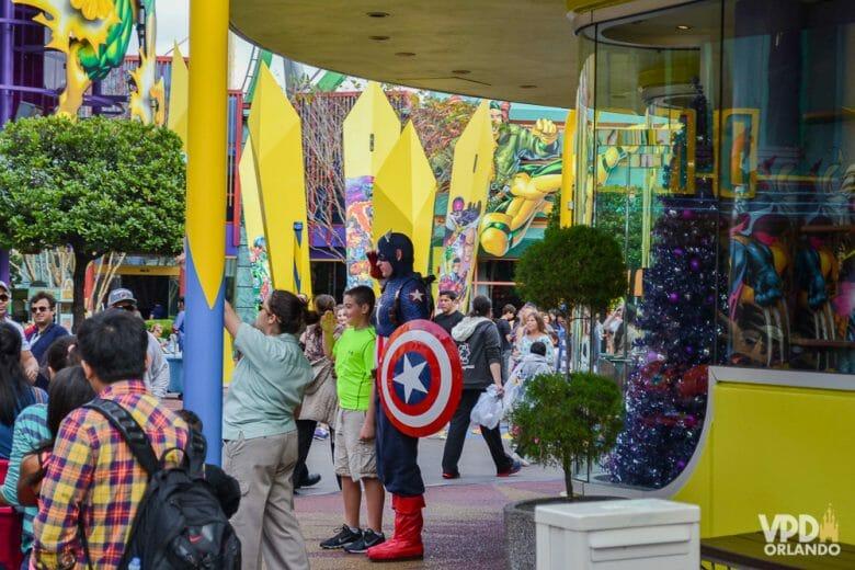Vários personagens da Marvel aparecem por aqui pra fotos