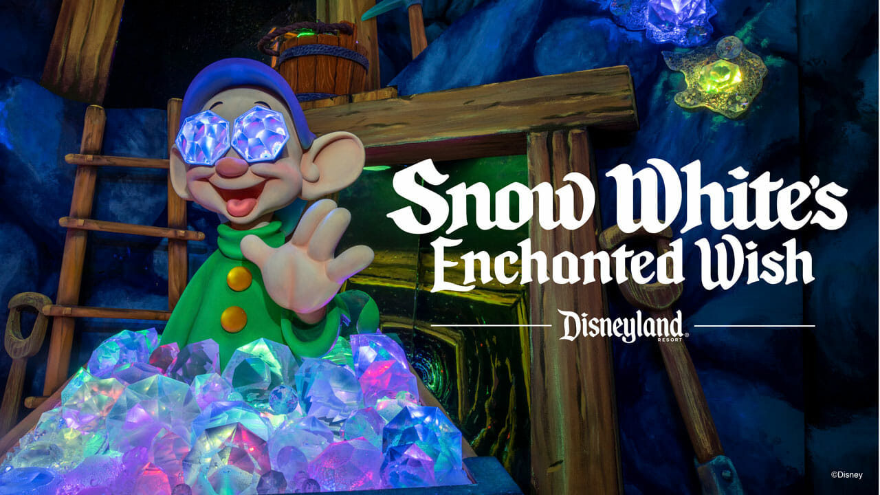 Foto de um dos anões na divulgação da atração repaginada da Branca de Neve na Califórnia, agora chamada de Snow White's Enchanted Wish