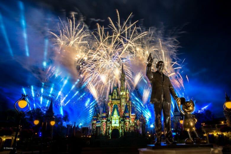 Foto do show de fogos Happily Ever After, que teve seu fim anunciado pela Disney.